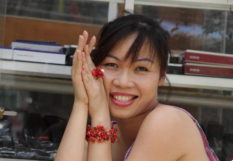 Nhà báo Đinh Hiền