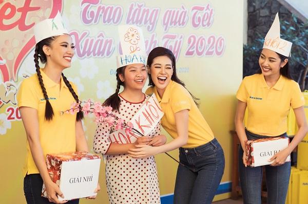 Hoa hậu Nguyễn Trần Khánh Vân