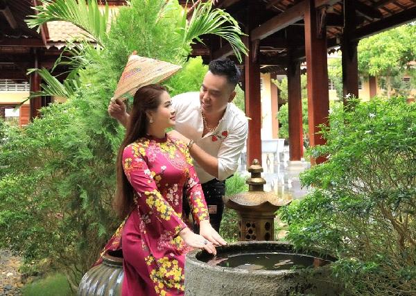 """Cặp đôi """"Vợ chồng song ca"""" Kim Cương và Thọ Hùng."""