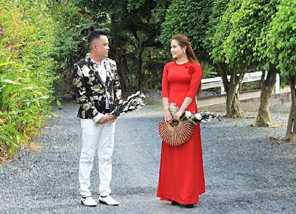 """Cặp đôi """"Vợ chồng song ca"""" Thọ Hùng và Kim Cương."""