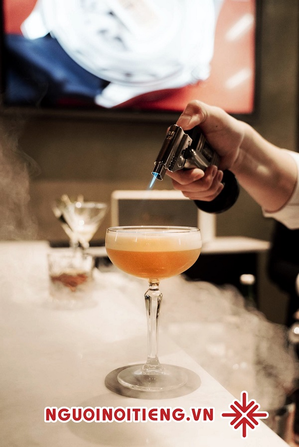 Một ly cocktail hoàn hảo đòi hỏi một công thức cầu kỳ, chính xác đến từng định lượng.