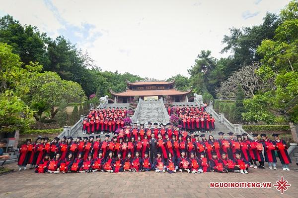 Thầy giáo Dương Hà, lựa chọn nghề không trồng cây vào đất nhưng tặng cho đời những trái ngọt hoa thơm.