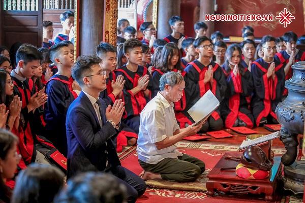 Thầy giáo Dương Hà, lựa chọn việc giảng dạy 'môn hoá học' như là một phần không thể tách rời cuộc sống.