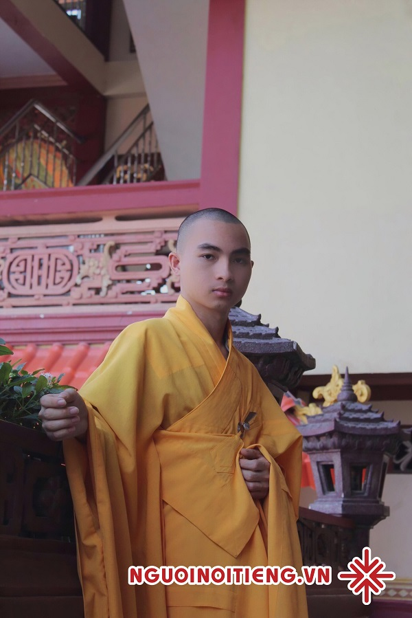 Sư thầy Khổng Huy - 'Ngày qua ngày một cách bình dị, giản đơn là một ngày hạnh phúc.'