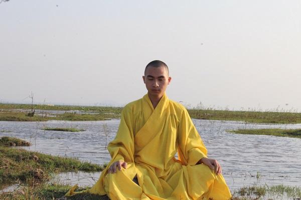 Sư thầy Khổng Huy - 'Sống giản đơn để sống hạnh phúc.'