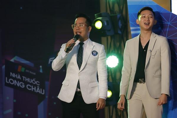 MC Phạm Hồng Phong (ảnh trái) người thổi hồn cho chương trình.