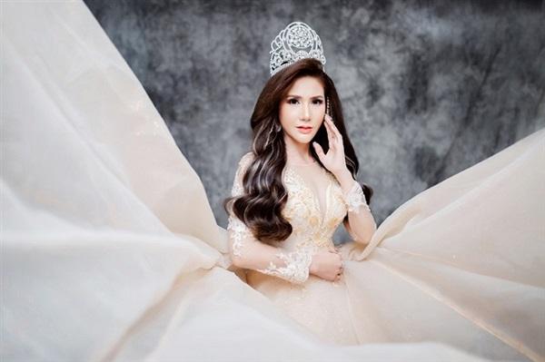 CEO Hương Maria không những là người tận tâm kiến tạo cái đẹp cho phái đẹp, mà còn là người có tấm lòng nhân ái.