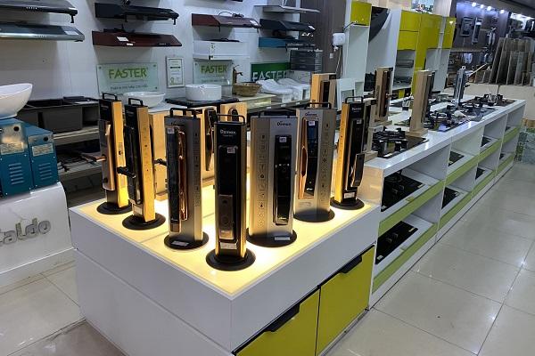 Khóa Demax, thương hiệu khoá cửa thông minh của Cộng hòa Liên bang Đức, sản xuất tại Malaysia, phân phối, bảo hành, bảo trì tại Demax Việt Nam.