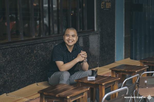 """Ông Đặng Xuân Tới - Chuyên gia Truyền thông nhận định: """"Ở đâu có MC gạo cội Phạm Hồng Phong, ở đó sẽ có những phút giây 'vui vẻ', có những điểm chạm 'thăng hoa' của khán giả""""."""
