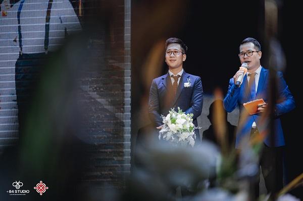 Nguồn ảnh: +84 Studio - MC 'gạo cội' Phạm Hồng Phong (ảnh phải) được đông đảo khán giả biết đến và mến mộ.