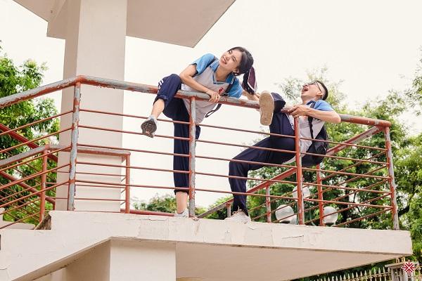 Nam sinh Đắc Hải và nữ sinh Thương Nguyễn là bạn đồng hương, đồng môn thân thiết, có chung hoài bão, có cùng khát vọng và điểm chạm đỗ đạt đại học Bách khoa.