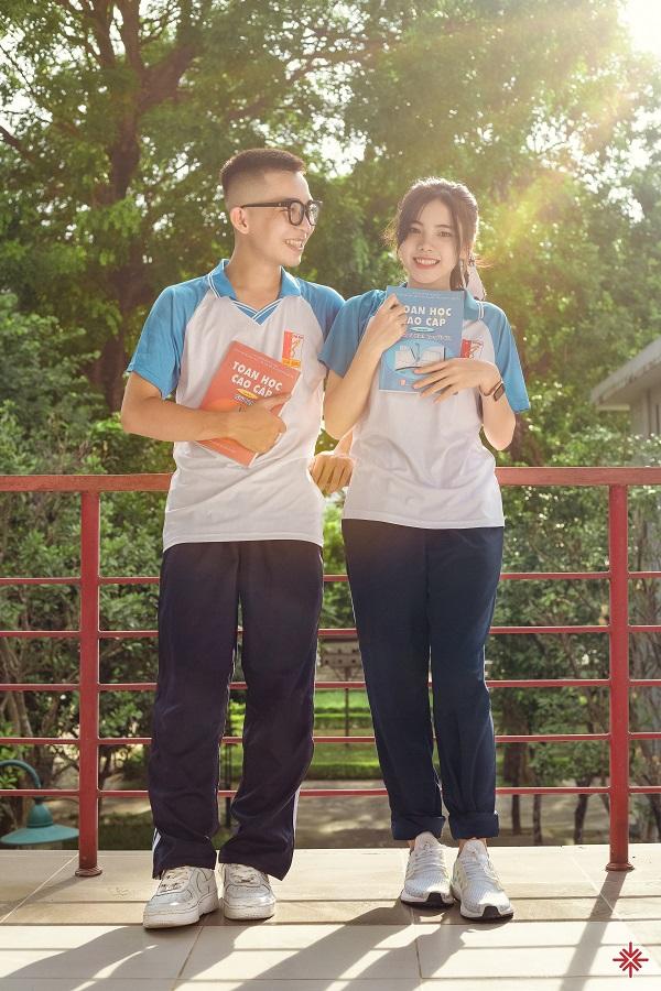 Nam sinh Đắc Hải và nữ sinh Thương Nguyễn (sinh viên đại học Bách khoa Hà Nội) mơ ước sống nhiệt huyết, để cùng nhau kiến tạo thanh xuân rực rỡ, đáng nhớ và ý nghĩa.