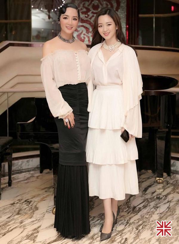 Hoa hậu Giáng My khoe sắc cùng 'ái nữ' của mình.