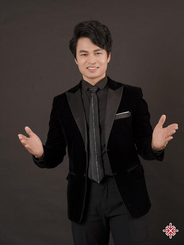 """Bậc thầy đào tạo MC chuyên nghiệp - ông Nguyễn Văn Minh khẳng định: """"Mỗi khóa học do tôi trực tiếp đứng lớp đều đáng giá đến từng xu một!"""""""