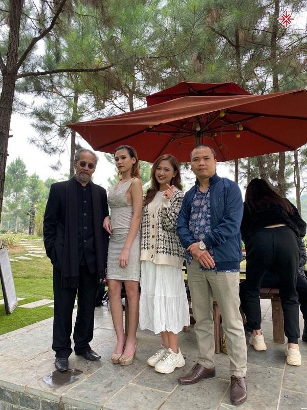 Chuyên gia truyền thông Đặng Xuân Tới (người thứ 4 từ trái qua phải) nhận định về YouTuber Phan Đình Huy 'Thép'.