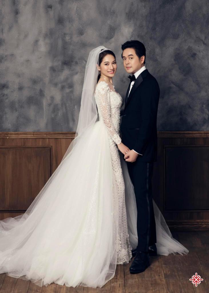 """Dương Khắc Linh cùng Sara Lưu đã không ngần ngại quyết định sẽ chia sẻ từng """"đường đi nước bước"""" về việc tổ chức hôn lễ của mình đến với người hâm mộ."""