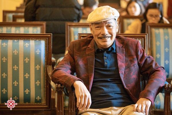 Nhà giáo Bích Ngà, vợ của nhạc sĩ Trần Tiến luôn rất khâm phục và ngưỡng mộ người chồng giỏi giang của mình.