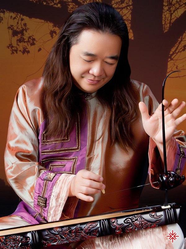 Ngay từ khi con trong bụng mẹ, nam nghệ sĩ Phạm Đức Thành đã được nghe những làn điệu dân ca Bắc Bộ thông qua những đĩa nhạc đá cô xưa.