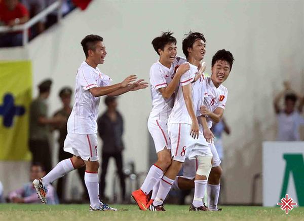 Màn trình diễn không thể 'xuất thần' tại U19 Việt Nam của Xuân Trường cùng đồng đội.