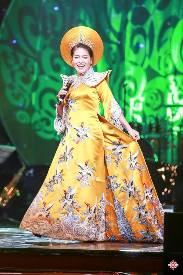 Song song với công việc ca hát, hiện nay Anh Thơ cũng là giảng viên thanh nhạc Nhạc viện Quốc gia Hà Nội.