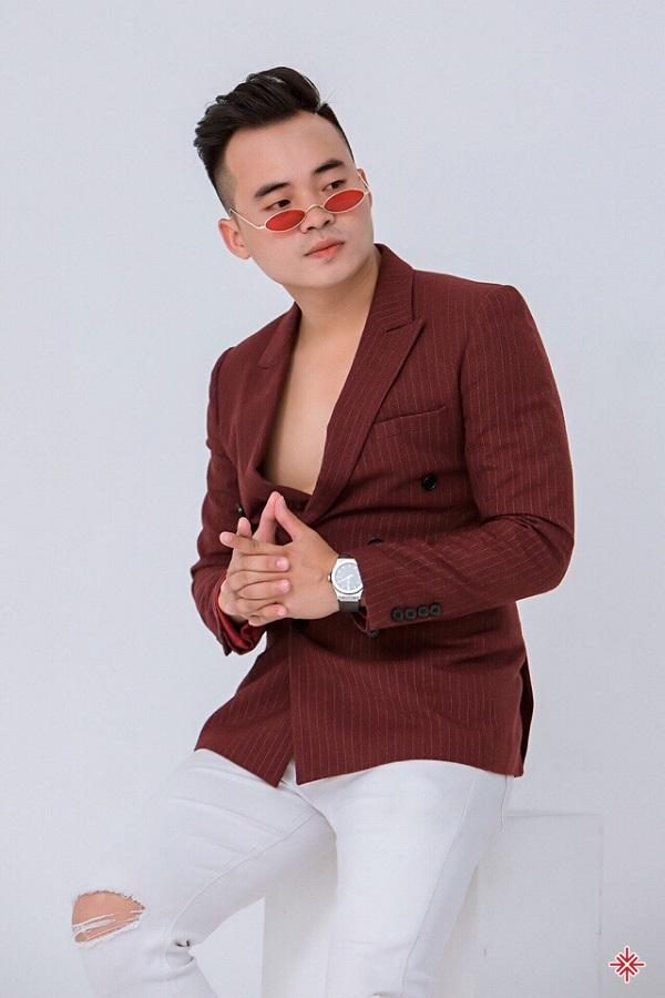 Ca sĩ Đinh Phú Đức: 'Gia đình là điều quan trọng nhất'.