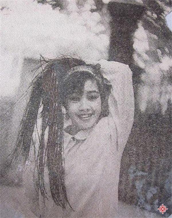 Hình ảnh Ca sĩ Hồng Nhung chụp năm 1995.