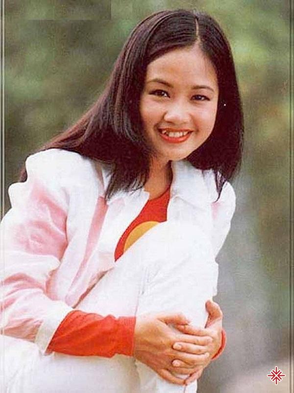 """Hồng Nhung đã sớm toát lên cốt cách của một """"ngôi sao"""" khi mới là thiếu nữ."""