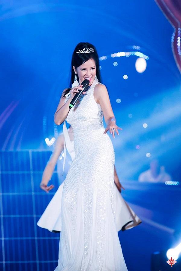 Hồng Nhung là 1 trong những Diva có tầm ảnh hưởng nhất trong nền âm nhạc Việt Nam đương đại.