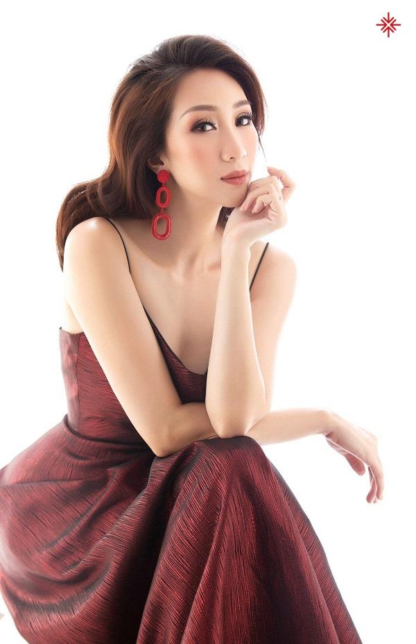 Ca sĩ Lều Phương Anh - người hát 'tình ca'