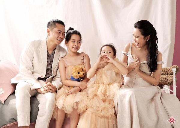 Ca sĩ Lưu Hương Giang hiện đang có cuộc sống viên mãn với gia đình hạnh phúc, nhan sắc ngày càng thăng hạng.