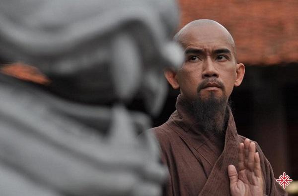 Ca sĩ Minh Thuận đã để lại dấu ấn đáng nhớ trong phim Thiên mệnh anh hùng.