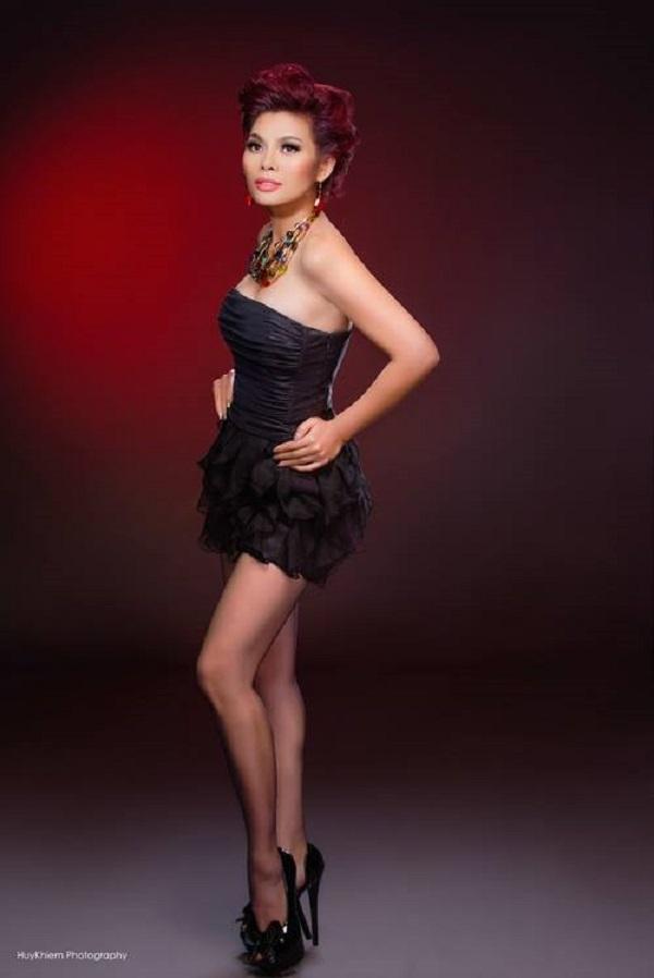 Ngọc Anh sở hữu một giọng hát trầm, mạnh mẽ và đầy nội lực.