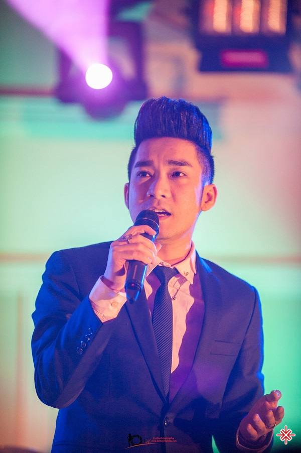Ngay từ năm 2000, ca sĩ Quang Hà đã hướng bản thân trở thành một ca sĩ chuyên nghiệp.