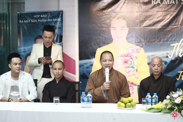 Ca sĩ Trần Duy Hưng, Đại đức Thích Hạnh Hiếu, Đại đức Thích Thông Đạt, Thượng tọa Thích Thanh Định (từ trái qua phải).