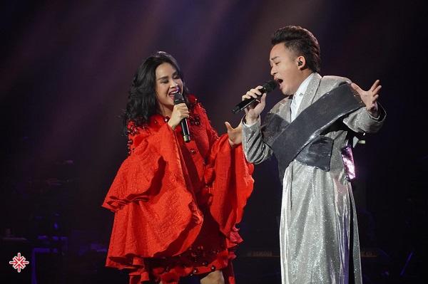 """""""Divo"""" Tùng Dương sánh vai bên """"Diva"""" Thanh Lam."""