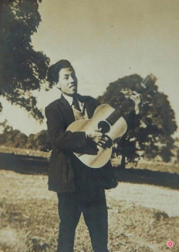 Vì khó khăn nhạc sĩ Y Vân đi dạy đàn để nuôi gia đình.