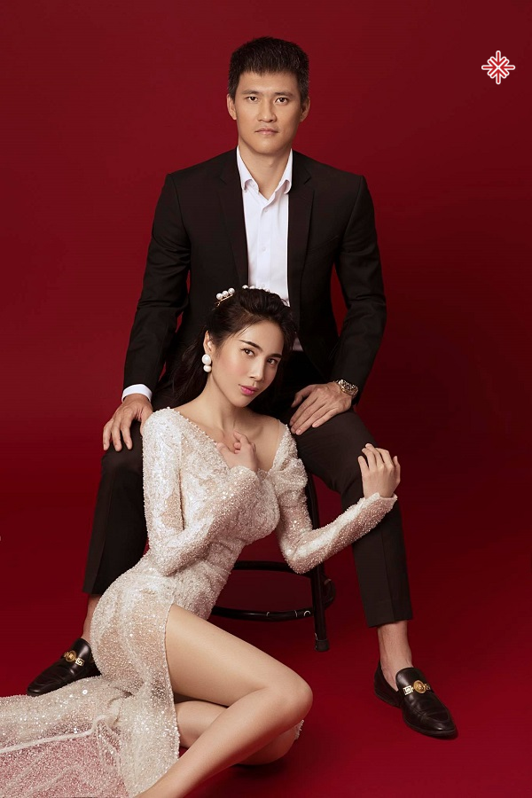 Thủy Tiên - Công Vinh là 'cặp đôi vàng' ca sĩ - cầu thủ nổi tiếng của làng giải trí Việt. Họ bên nhau, âm thầm hỗ trợ cho nhau.