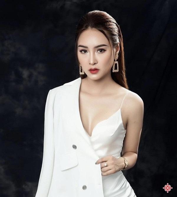Chân dung nữ doanh nhân Trần Hạnh - CEO chuỗi thẩm mỹ Hồng Hạnh.