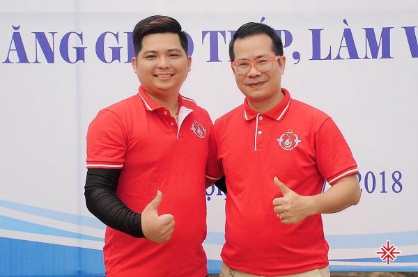 Đạo diễn chương trình Hà Văn Tuyển (ảnh trái) và MC Phạm Hồng Phong (ảnh phải), là 2 cái tên 'bảo chứng' cho những sự kiện Team building đỉnh cao.