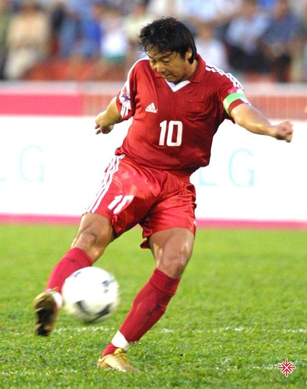 Lật lại hồ sơ của Lê Huỳnh Đức, bạn sẽ không còn ngạc nhiên vì sao anh lại chơi bóng đẳng cấp như vậy.