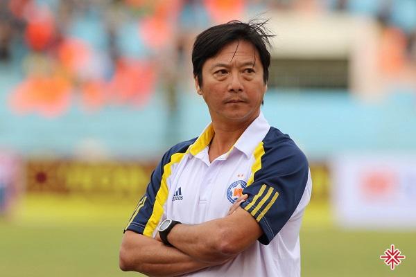 Thời hoàng kim, Lê Huỳnh Đức là cầu thủ đầu tiên ở Việt Nam được xuất ngoại, bản hợp đồng dưới dạng cho mượn tại Lifan Trùng Khánh đã tạo nên 'tiếng vang' lớn vào thời điểm năm 2001.