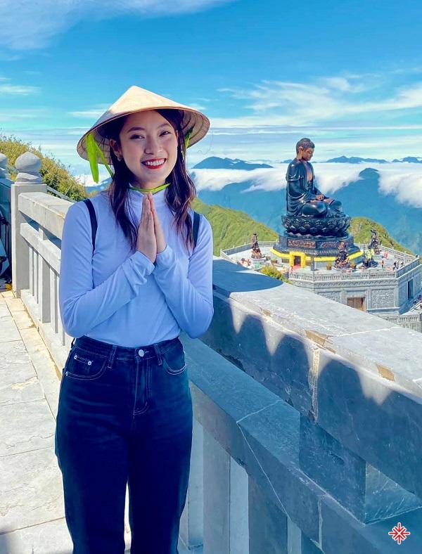 Để có được thái độ 'bĩnh tĩnh' như ngày hôm nay, Khánh Vy bày tỏ lòng biết ơn tới bậc sinh thành – những người đã theo sát hành trình học tập và làm việc của cô.