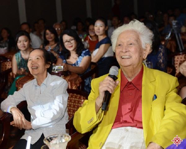 Nhạc sĩ Phạm Duy luôn được bạn bè, đồng nghiệp yêu quý bởi tài đức của mình.