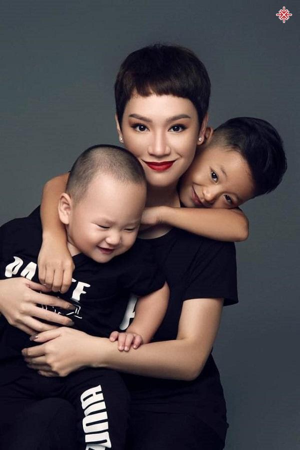 Trà My Idol – hành trình từ cô ca sĩ 'nổi loạn' trở thành 'hot mom' vạn người mê.