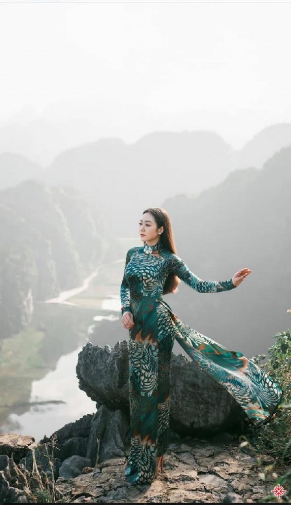Bản thân Hà Thanh Xuân cảm thấy may mắn vì được mọi người nói rất giống với cố nghệ sĩ Thanh Nga.
