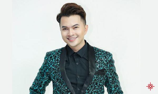 Nam Cường sở hữu một ngoại hình điển trai, thư sinh cùng giọng hát ngọt ngào.