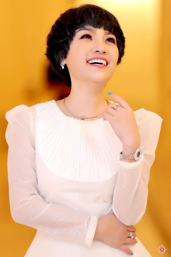Với sự phối khí của nhạc sĩ Lê Minh Sơn, Ngọc Khuê đã thổi một màu sắc mới đến nhạc Phạm Duy một sắc màu mới.