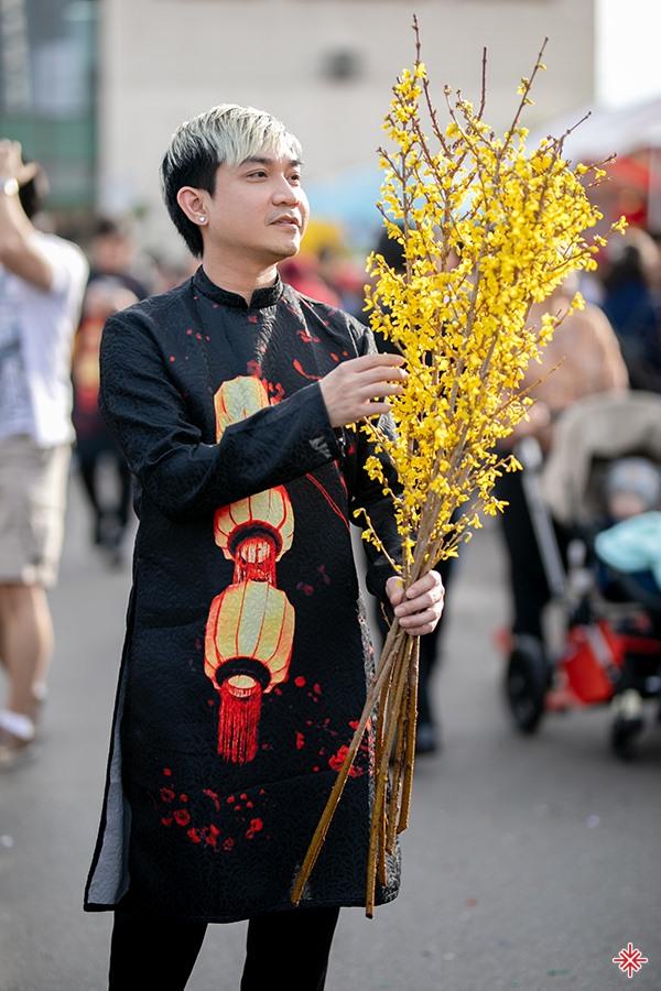 Tuy nhiên, không phải thành công nào cũng trải hoa hồng và Khánh Hưng đã từng có ý định kết thúc cuộc sống của mình.