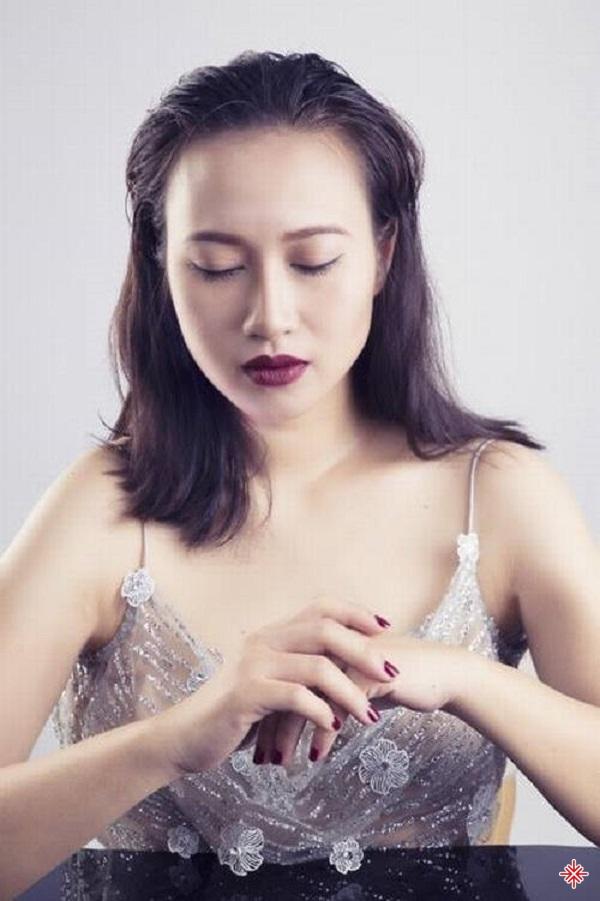 """Khánh Linh bị đánh giá là """"chảnh"""" với những nguyên tắc cô đặt ra."""