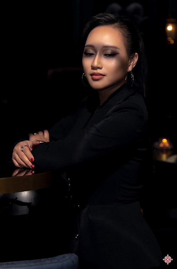 Ca sĩ Phạm Khánh Linh.